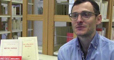 Jean-Baptiste Del Amo reçoit le prix du Livre Inter pour son roman Règne animal
